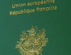 Comment l'UE a-t-elle renforcé les liens politiques entre les pays membres ?